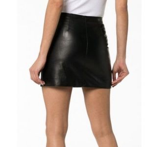 New Cache Leather Mini Skirt Sz 2  Made in India